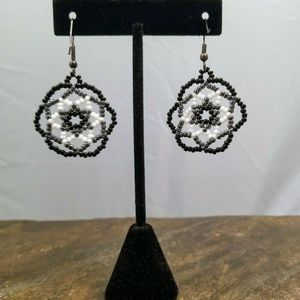 BLACK AND WHITE SMALL BEADED EARRING